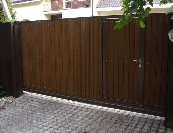 Ворота распашные из профнастила в Электростали